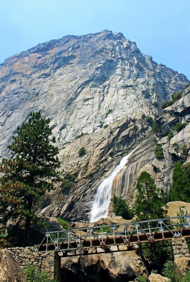 Падения Wapama, национальный парк Yosemite стоковое изображение