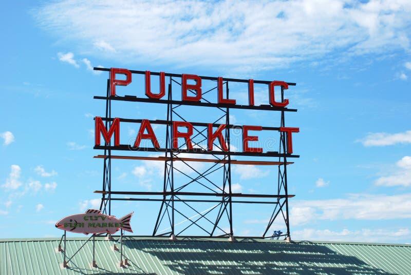 Пайк-Плейс (общественный рынок) в Сиэтле стоковая фотография rf