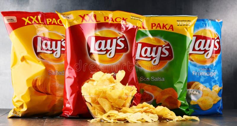 Пакеты картофельных стружек положений стоковое фото rf