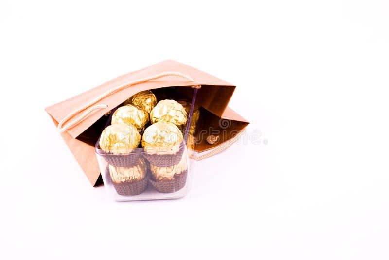 пакет подарка шоколада стоковая фотография rf