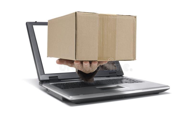 пакет посылает