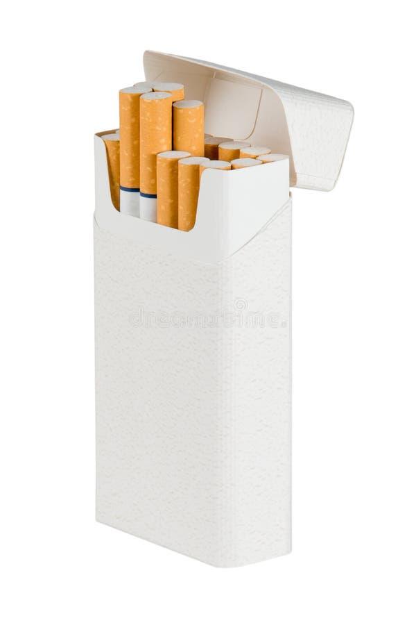 Пакет сигарет - изолированных с космосом текста стоковое изображение rf