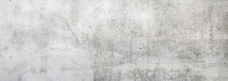 Пакостная серая бетонная стена стоковая фотография rf