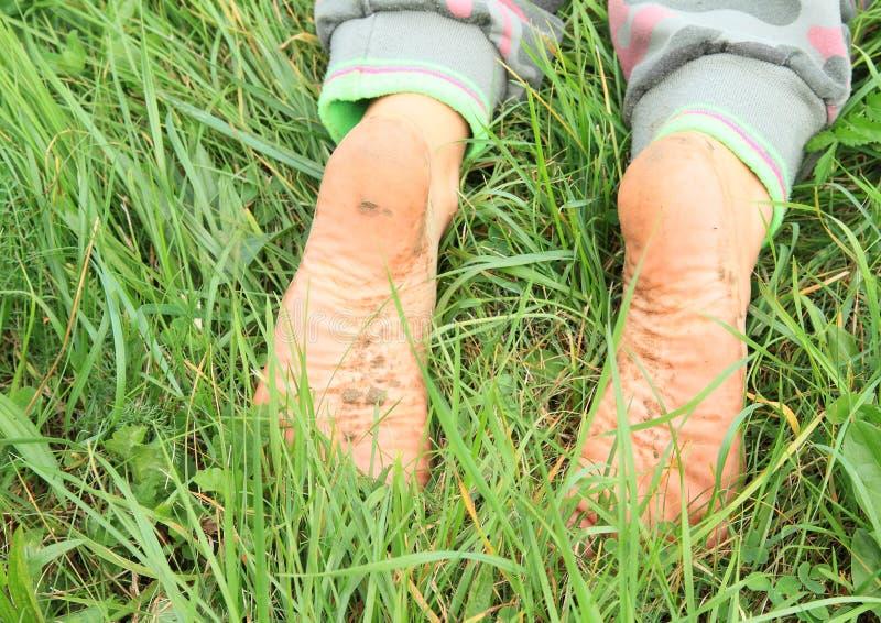 Пакостные подошвы босых ног стоковое изображение