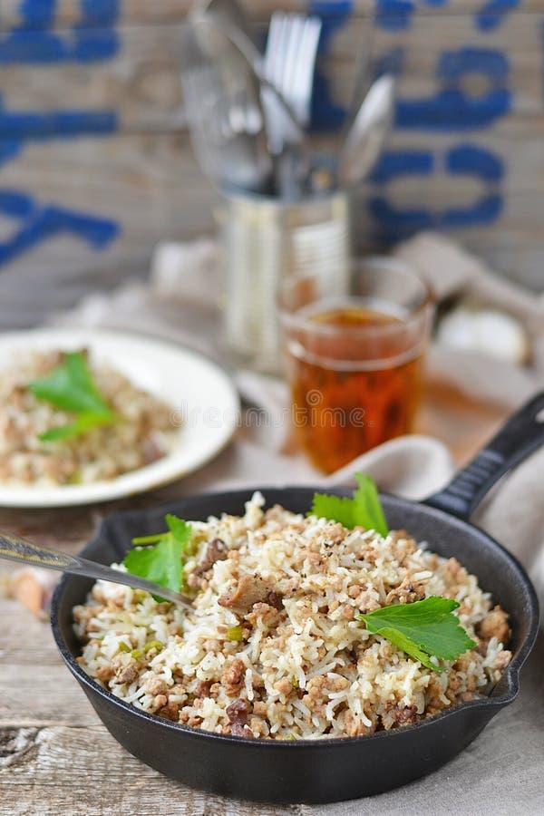 Пакостный рис с говяжим фаршем стоковая фотография