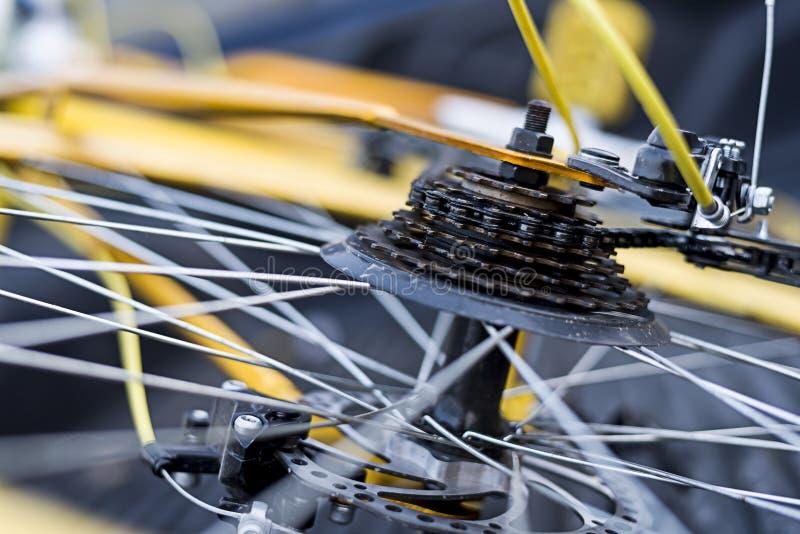 Пакостный старой шестерни велосипеда стоковые фото