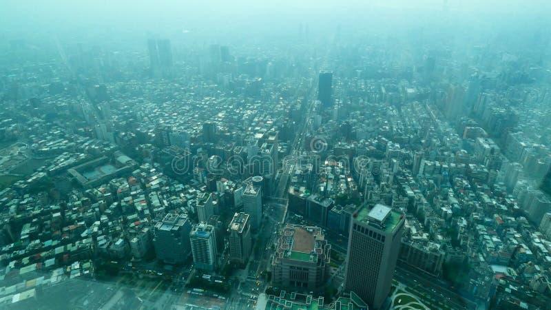 Палуба обсерватории Тайбэя 101 городского пейзажа Тайваня стоковые фото