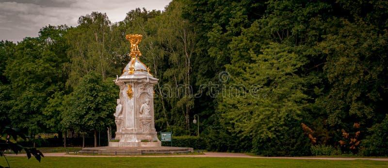 Памятник Бетховен-Haydn-Mozart в парке Tiergarten в Берлине, Германии стоковое изображение