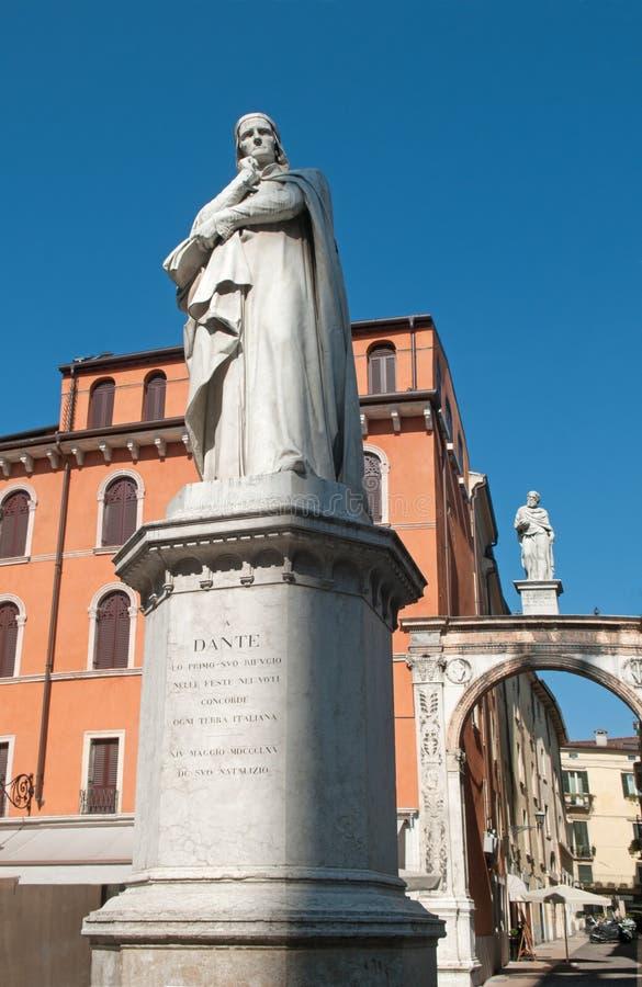 Памятник Вероны - Dante стоковое изображение