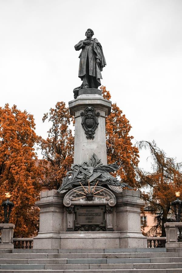 Памятник в городке Варшавы старом стоковая фотография