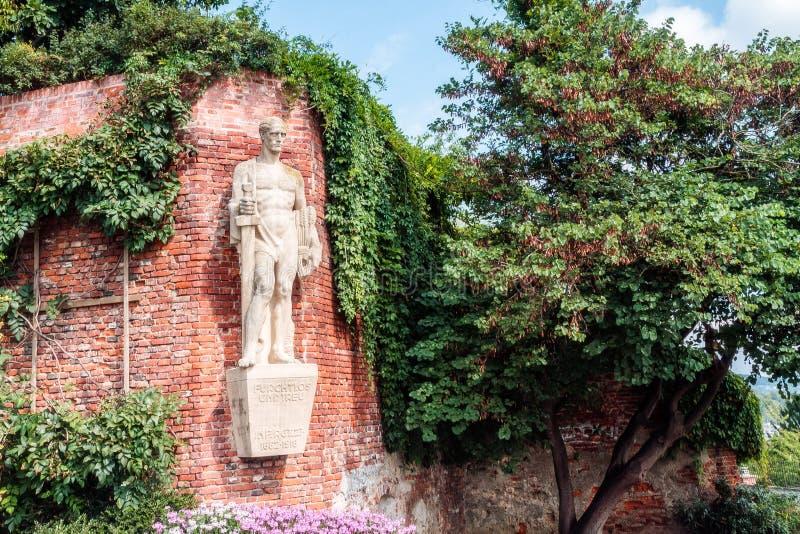 Download Памятник героев Граца. стоковое фото. изображение насчитывающей известно - 33729144
