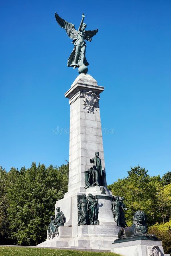 Памятник Джордж-Etienne Cartier в парке держателя королевском в Монреале, Квебеке, Канаде стоковые фото