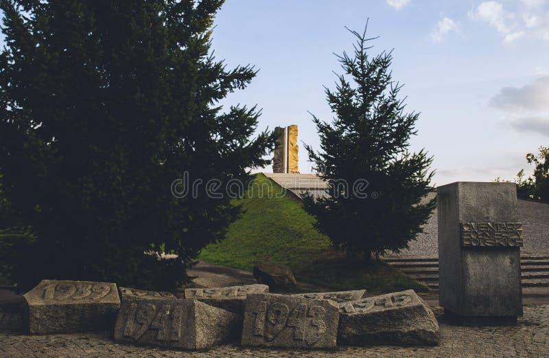 Памятник для того чтобы отполировать солдат в Wroclaw стоковое фото rf