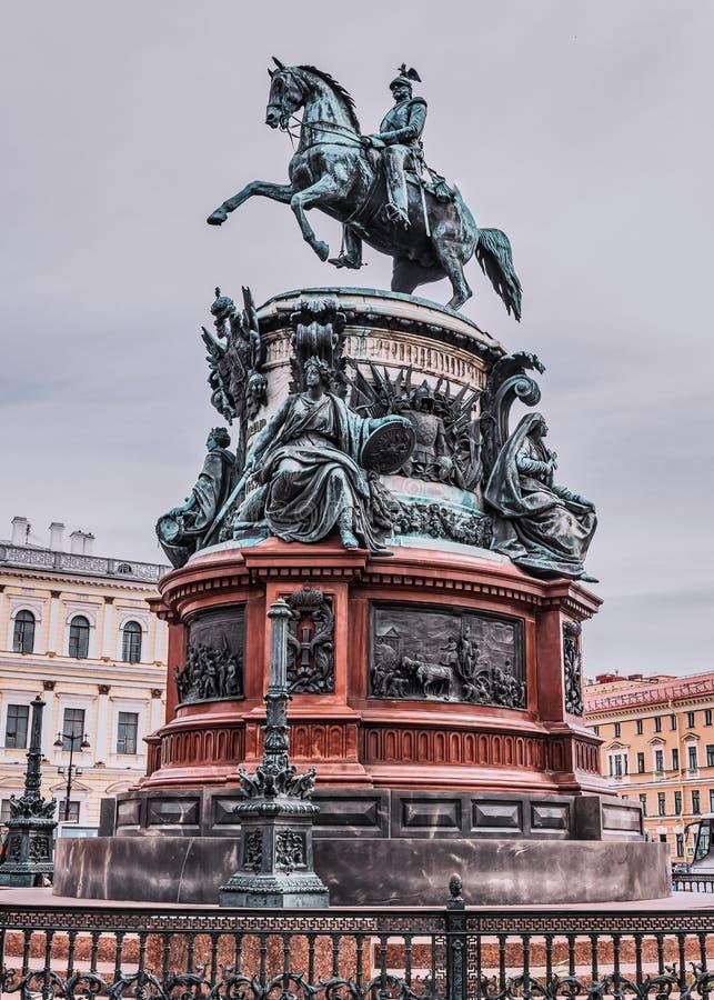 Памятник императору Николас первое r стоковая фотография rf