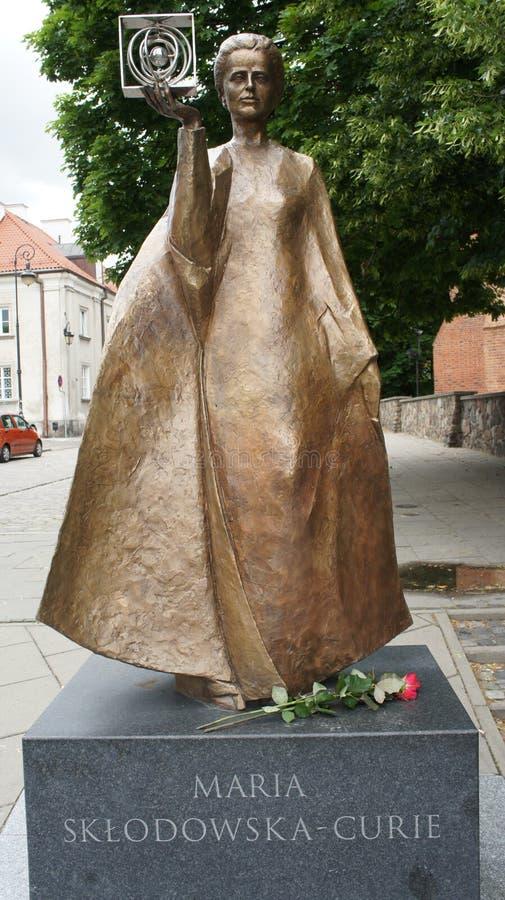 Памятник Кюри Мари стоковая фотография