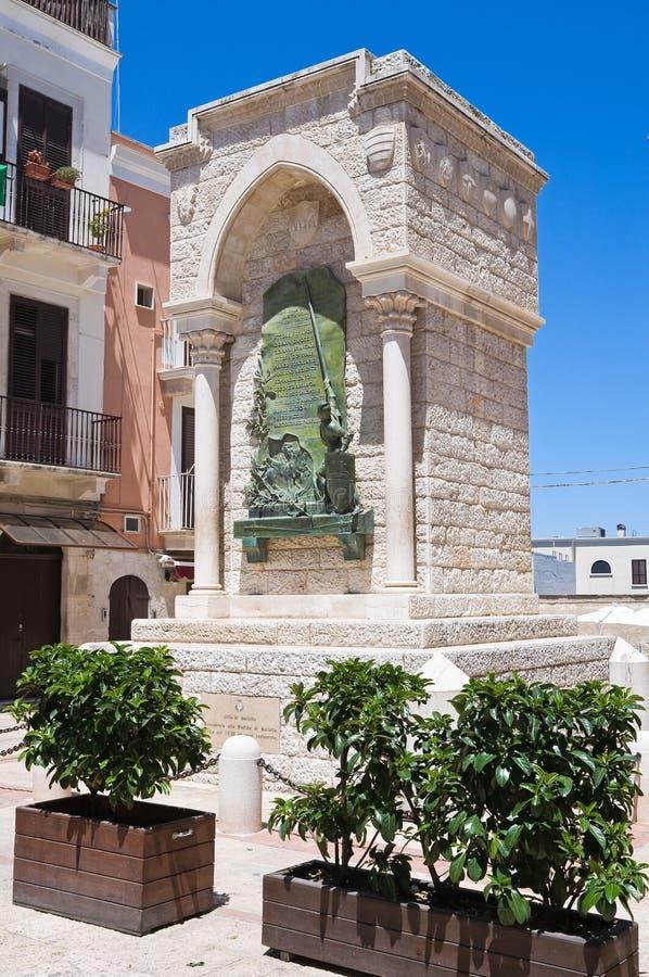 Памятник к возможности в Barletta. Puglia. Италия. стоковые фотографии rf