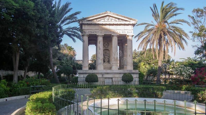 Памятник к господину Александру Шарику в садах Barrakka парка более низких в городе Валлетты, Мальте стоковые фото