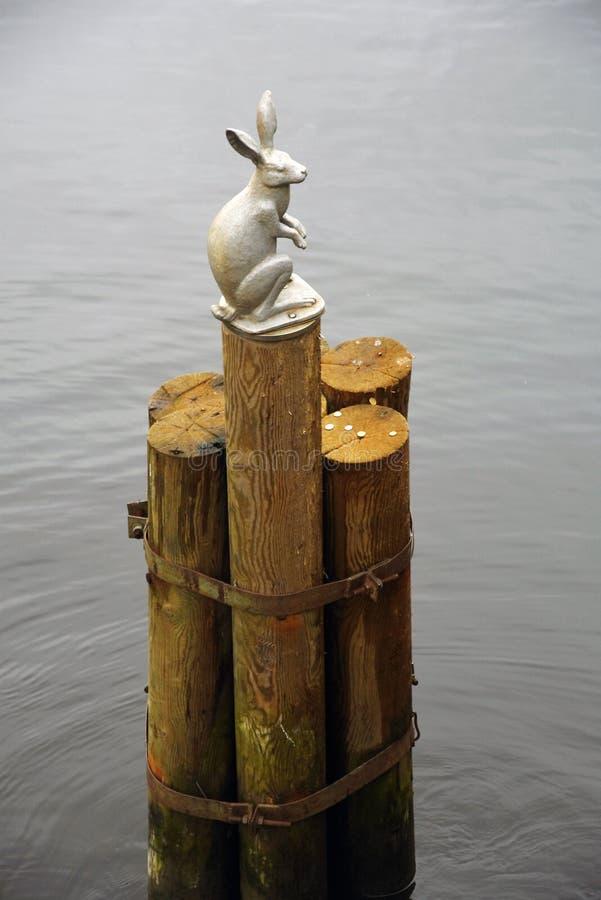 Памятник к зайцу в крепости Питера и Пола в Санкт-Петербурге, России стоковая фотография rf