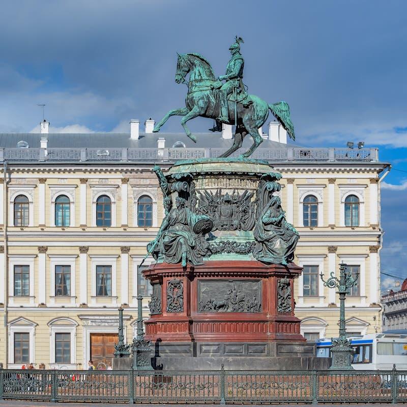 Памятник к императору Николасу i в StPetersburg, России стоковое изображение