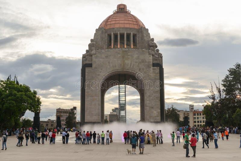 Памятник к мексиканской революции стоковые изображения