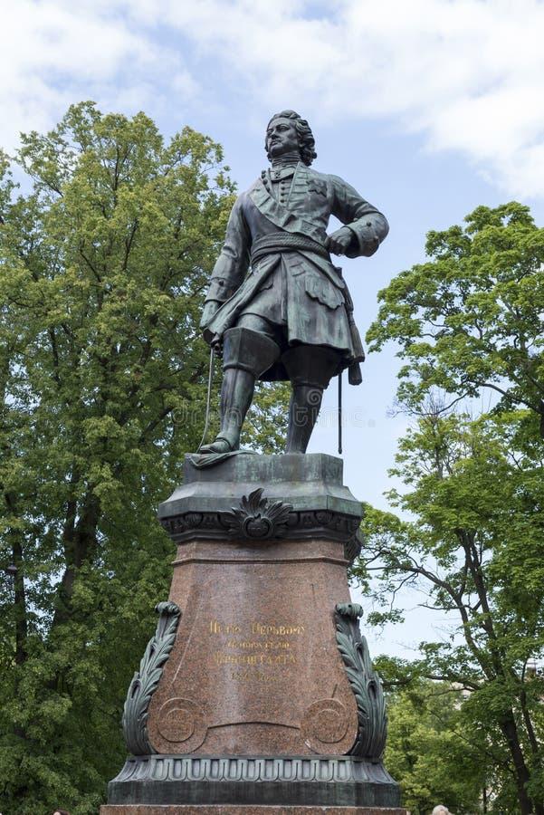 Памятник к основателю Kronstadt Питера 1 стоковое изображение rf