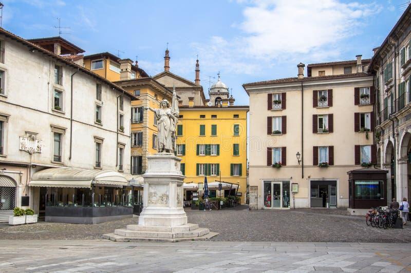 Памятник к повстанческим людям, Брешия, Италия стоковые фото