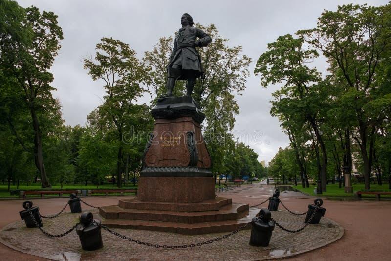 Памятник к русскому императору Питеру большой в Kronstadt стоковые фото