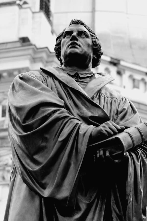 Памятник Мартина Luther в Дрездене Германии стоковые изображения