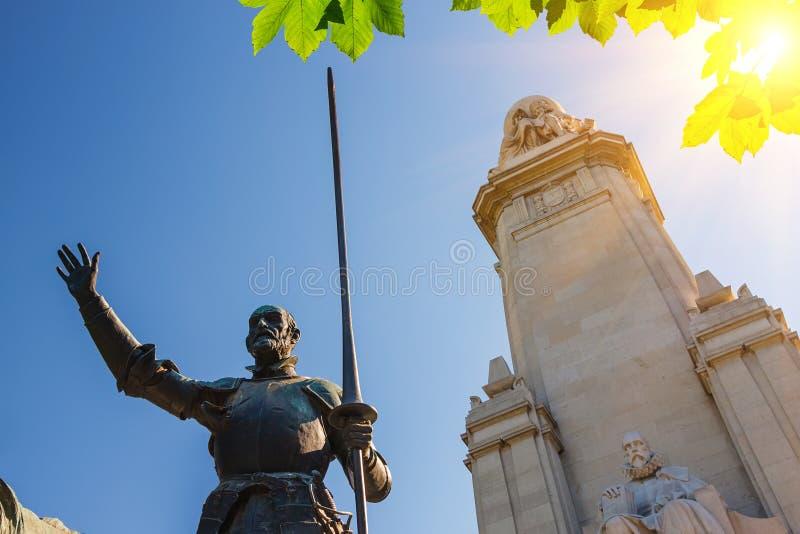 Памятник Мигуел Де Червантес в Мадрид стоковая фотография