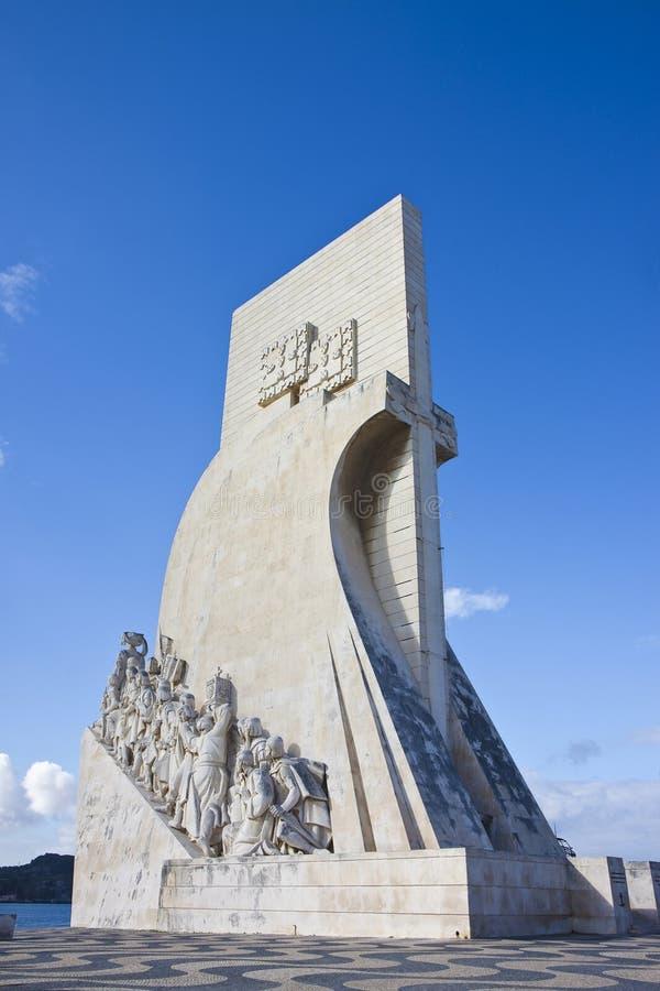 Памятник открытиям Padrao dos Descobrimentos на реке Тагус Лиссабон - Португалия стоковая фотография rf