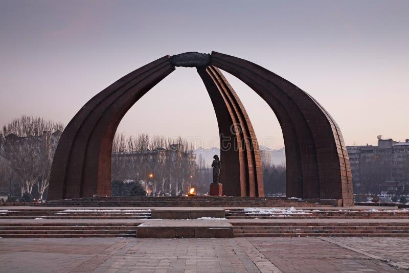 Памятник победы в Бишкеке kyrgyzstan стоковое изображение