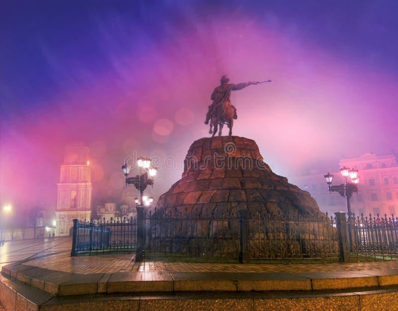 Памятник постамента к Bogdan Khmelnitsky стоковые фотографии rf
