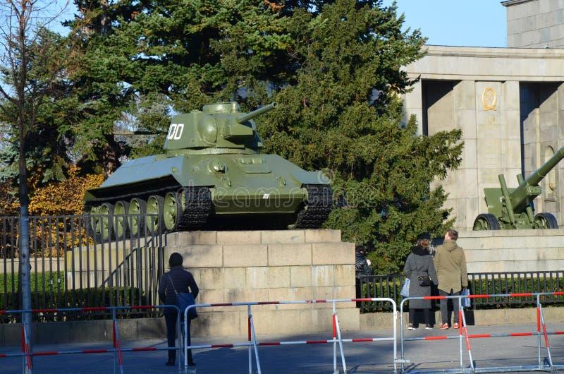 Памятник советских солдат, Tiergarten, Берлин, Германия стоковые изображения rf