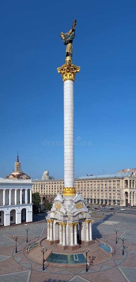 памятник Украина kyiv независимости стоковые изображения