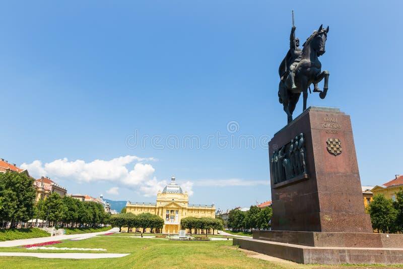 Памятник хорватского короля Tomislav в Загребе, Хорватии стоковые фотографии rf