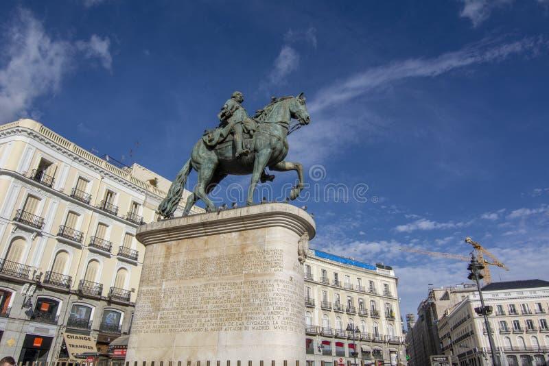 Памятник Чарльзу III на Puerta del Sol, Мадриде Испания стоковые фотографии rf