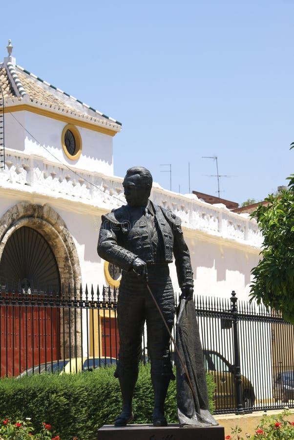 Памятник bullfighter Curro Romero в Севилье, Испании, Европе стоковое изображение rf