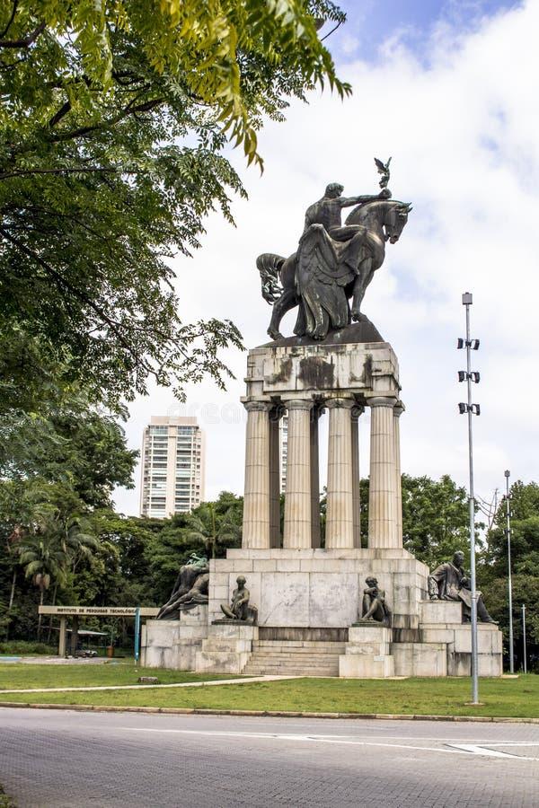 Памятник Ramos de Azevedo стоковые изображения