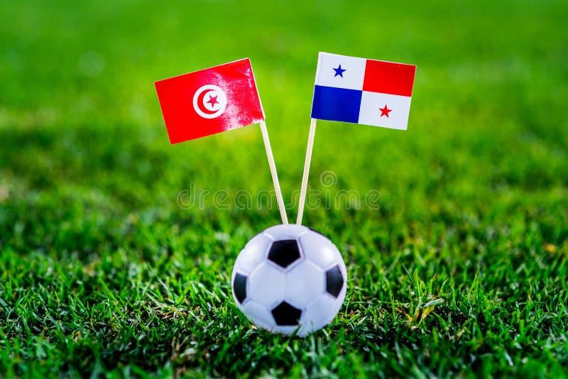 Панама - Тунис, группа g, Thursday, 28 Футбол -го июнь, кубок мира, Россия 2018, национальные флаги на зеленой траве, белом bal ф стоковая фотография rf