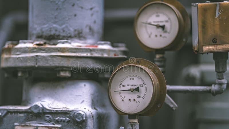 Панель измерения давления в лаборатории науки стоковое фото rf