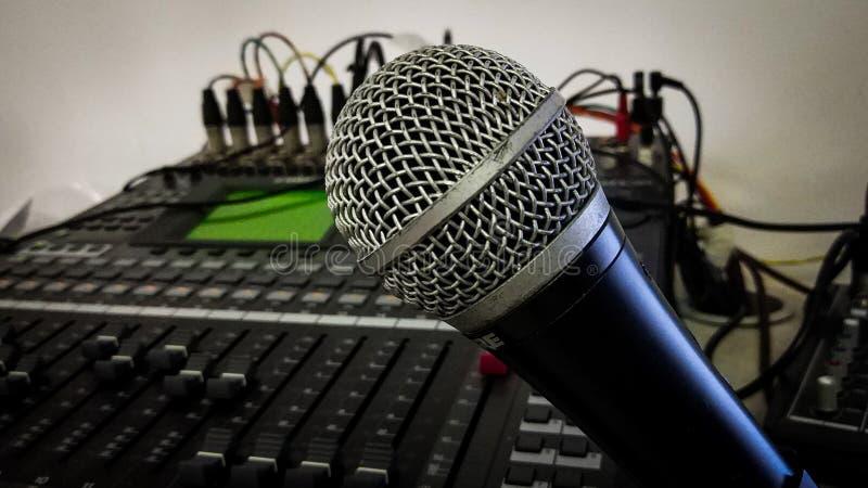 Панель показателя микрофона и ядрового смесителя стоковое изображение