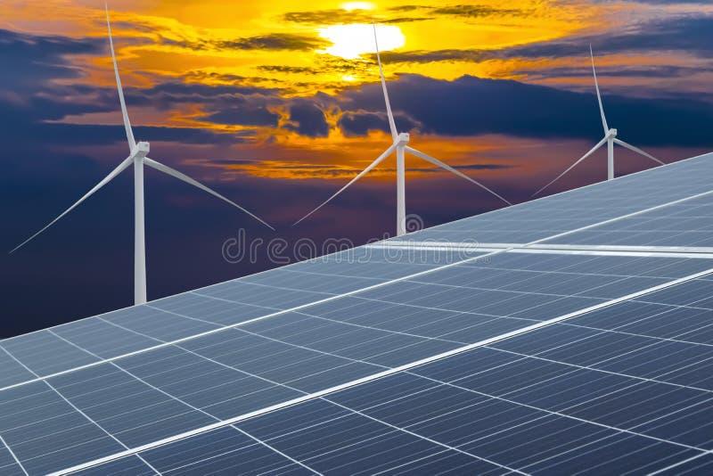 Панель солнечных батарей, фотовольтайческий, альтернативный источник электричества стоковое фото