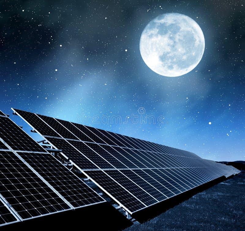 Панели солнечной энергии стоковая фотография rf