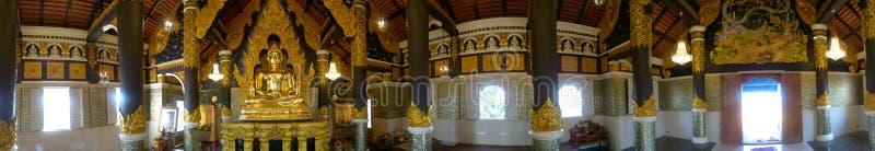 панорама 360° снятая золотого буддийского святилища стоковые фотографии rf