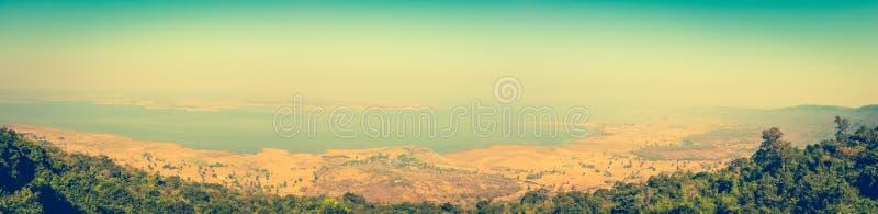 Панорама ландшафта лета E напольно стоковая фотография