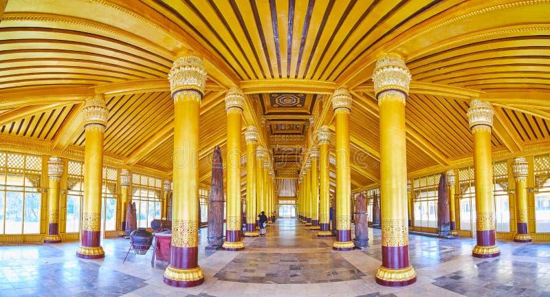 Панорама большей аудитории Hall, дворца Kanbawzathadi, Bago, Мьянмы стоковые изображения