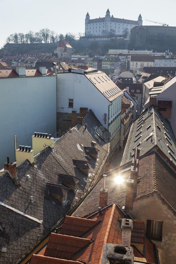 Панорама Братиславы с замком стоковое фото