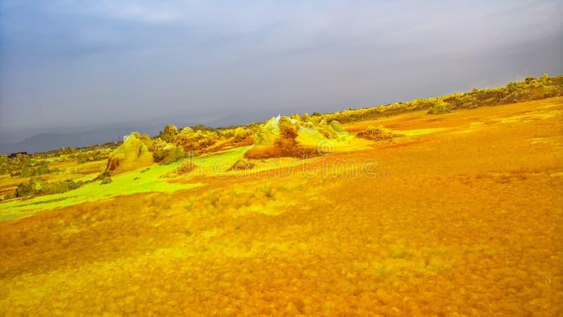 Панорама внутри кратера Dallol вулканического в депрессии Danakil, Afar Эфиопии стоковые фотографии rf