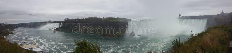 Панорама водопадов благоустраивает Ниагарский Водопад, Торонто стоковое изображение