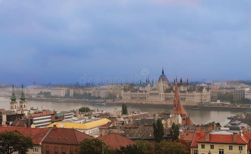 Панорама горизонта города - Будапешт - Венгрия стоковая фотография rf